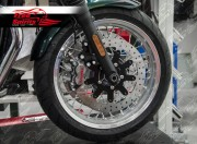 Bolt-in Kit freno anteriore per Triumph Thruxton 1200 Standard, Speedmaster e Bobber Black (dischi diam. 310 mm & pinze 4p)