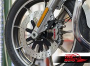 Harley Davidson Softail 2015 up - Bolt-in kit with 4p. (Titanium) caliper & rotor 320 mm